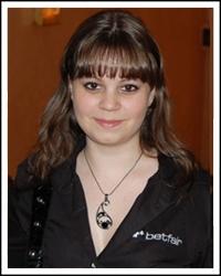 Аннет Обрестад подписала контракт с Full Tilt Poker.