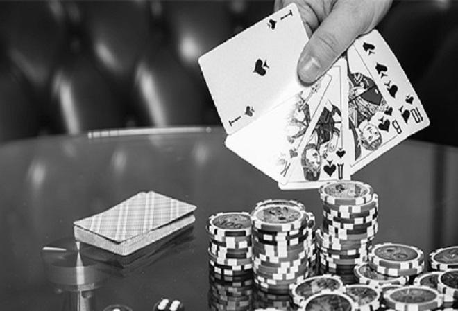 Игрок в покер умер от сердечного приступа во время турнира