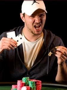 Брент Вилер побеждает в турнире по лимитному холдему