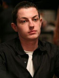 Сенсация: Том durrrr Дван больше не представляет Full Tilt Poker