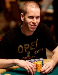 WSOP: Джефф Мэдсен троллит