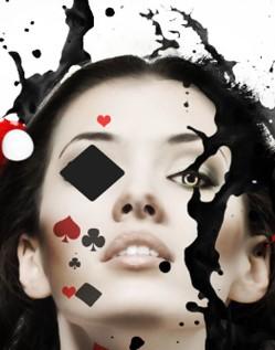 Девушки увлеклись игрой в бесплатный онлайн-покер