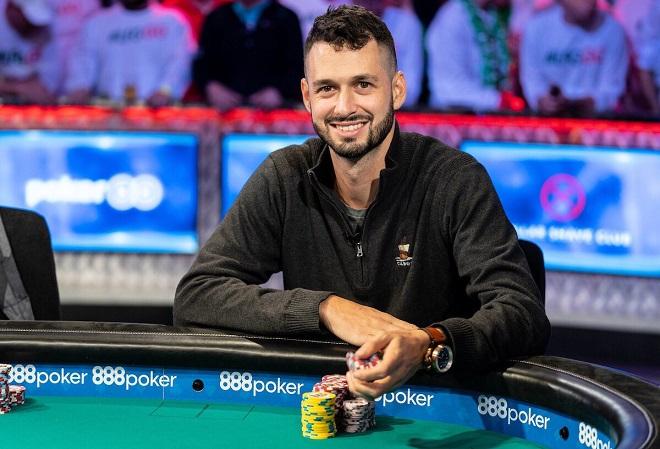 Финалист мэйн-ивента WSOP Алекс Ливингстон подарил супружеской паре $40,000