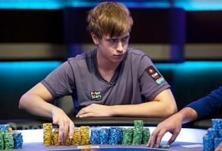 Виктор Блум проигрывает $339k в трипл-дро