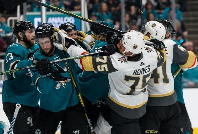 Игроки в покер из Лас-Вегаса считают несправедливым поражение их команды Golden Knights в седьмой игре серии против San Jose Sharks первого раунда плей-офф НХЛ