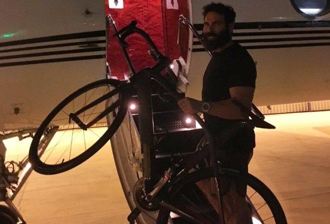 Лэнс Армстронг говорит, что поможет Дэну Билзериану подготовиться к велосипедному пари