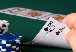 Игра без позиции: Бет и чек-колл на ривере на двух примерах (liguolong)