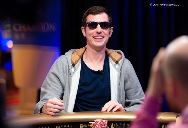 Fake Poker News Помешанные на азарте игроки начали играть в нелепый Экшн-покер