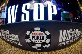 WSOP: Фил Айви в числе лидеров после первого дня Main Event
