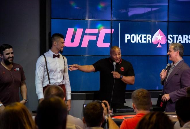 PokerStars заключил спонсорские соглашения с тремя звездами UFC