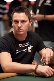 Суперзвезда покера Сэм Трикетт подписывает историческое соглашение с Everest Poker