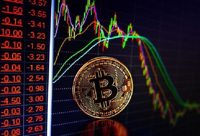 Фанаты криптовалют в покерном сообществе занервничали, когда курс биткоина стал снижаться