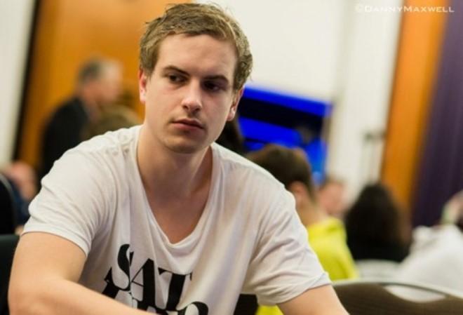 Неужели Виктор Блум, наконец, подпишет контракт с Unibet Poker