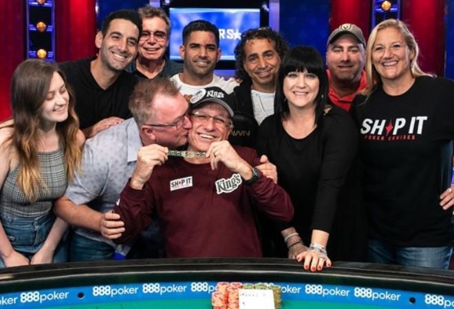 Эли Элезра в турнире по семикарточному стаду выиграл $93,766 и свой 4-ый золотой браслет WSOP
