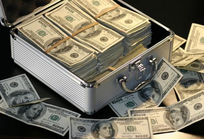 Молли Блум Однажды игрок взял в кредит $100 миллионов, пустил их на ветер за один вечер, а на следующий день все вернул