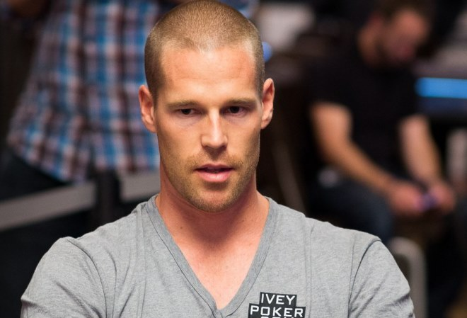 Патрик Антониус отправился играть в покер в Индию