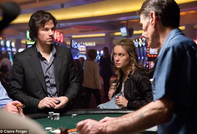 Не играйте в покер с симпатичными оппонентами