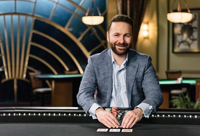 Даниэль Негреану Покерный софт позвонил покеру эволюционировать