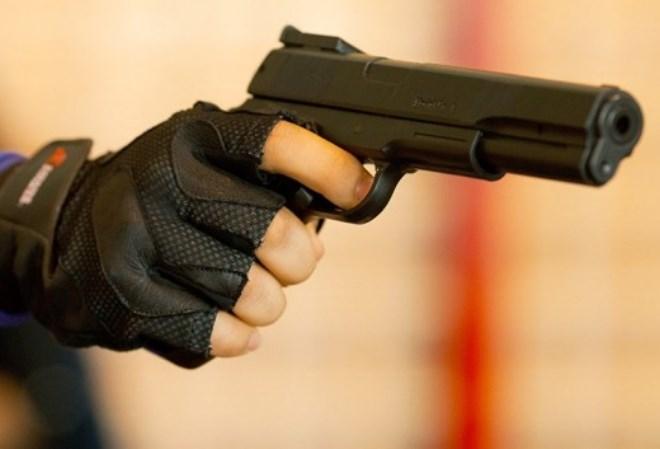 Преступник, ограбивший игрока в покер c помощью пистолета, арестован после месяца поисков