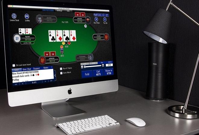Играть в покер с мобильного устройства или со стационарного компьютера что лучше