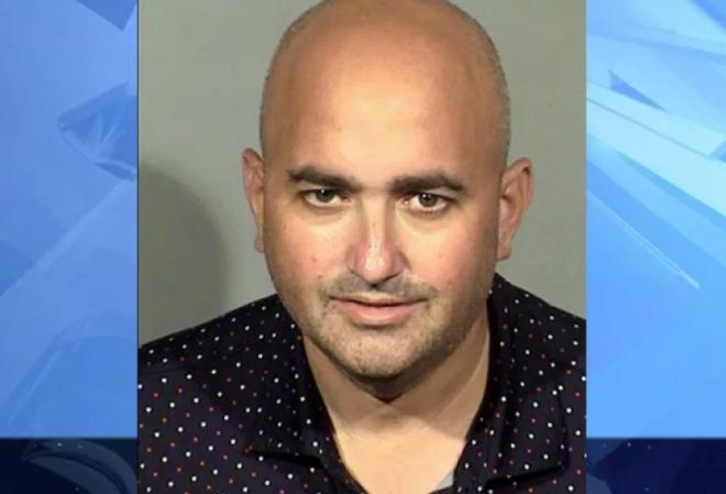 В протоколе задержания мужчины, снявшего штаны во время турнира WSOP, обнаружились подробности ещ более странного поведения