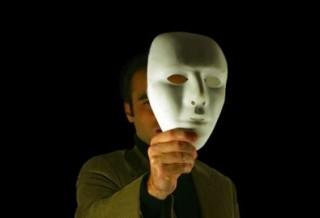 Влияет ли анонимность и отсутствие HUD-а на то, как действуют игроки? (Алекс Уэлдон)