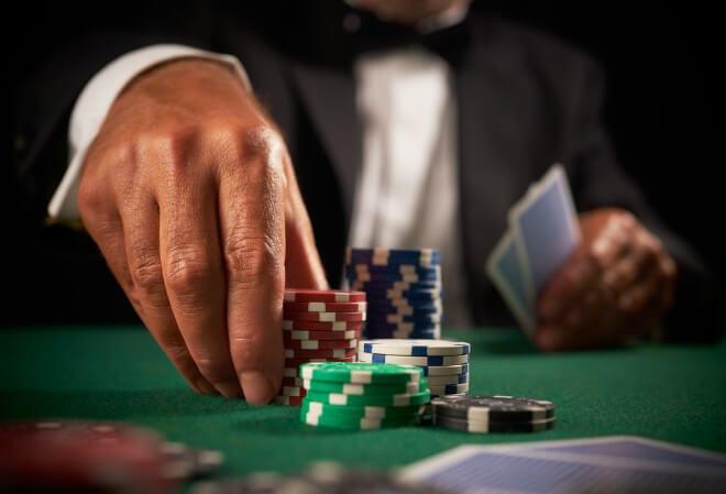 Как реагировать на бэд-биты в покере